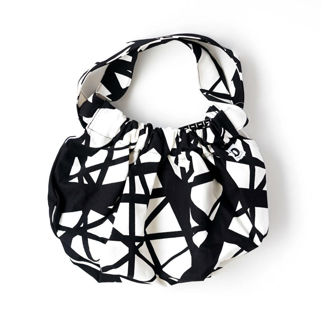 サムネイル:マキバッグ sticks white/black(10-GRUPPEN ティオグルッペン)